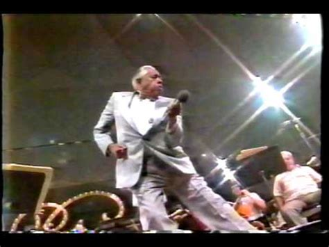 Cab Calloway Singing Minnie The Moocher (Live 1988) - YouTube